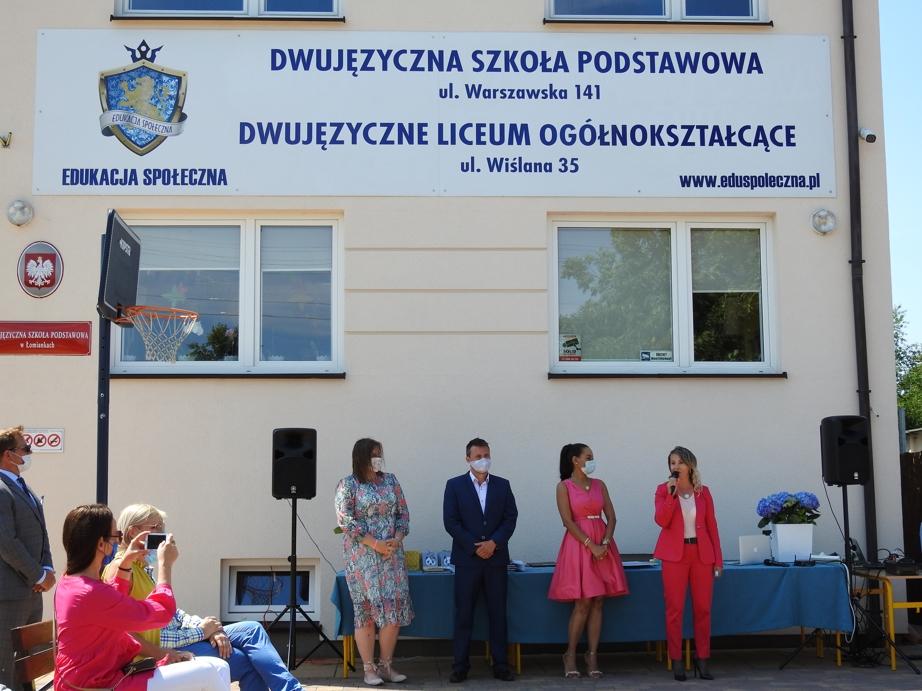 Dlaczego Dwujęzyczna Szkoła w Łomiankach